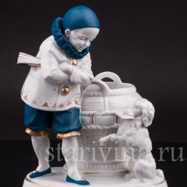 Фарфоровая статуэтка мальчика Пьеро с пуделем, Hertwig & Co, Katzhutte, Германия, 1920-30 гг.